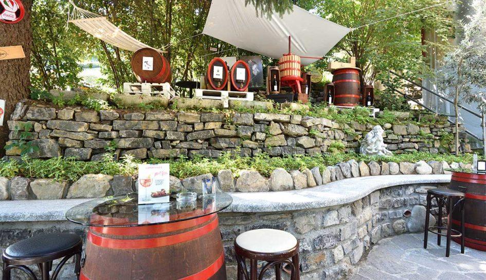 BellagioPoint.com - Bar Terrace and Garden
